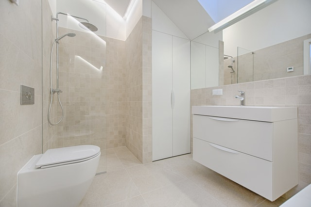 szafki w łazience