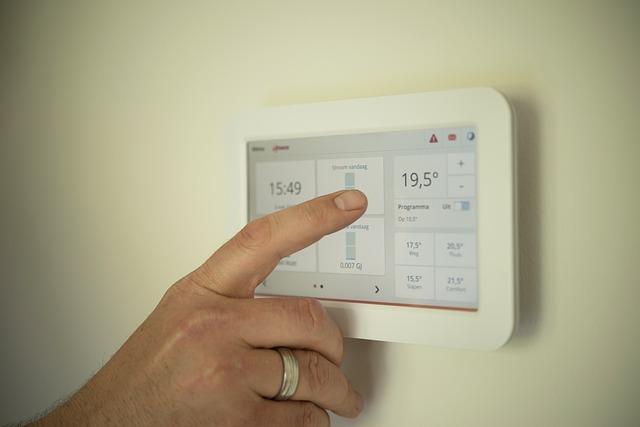 wahania-temperatury-w-domu-termostat