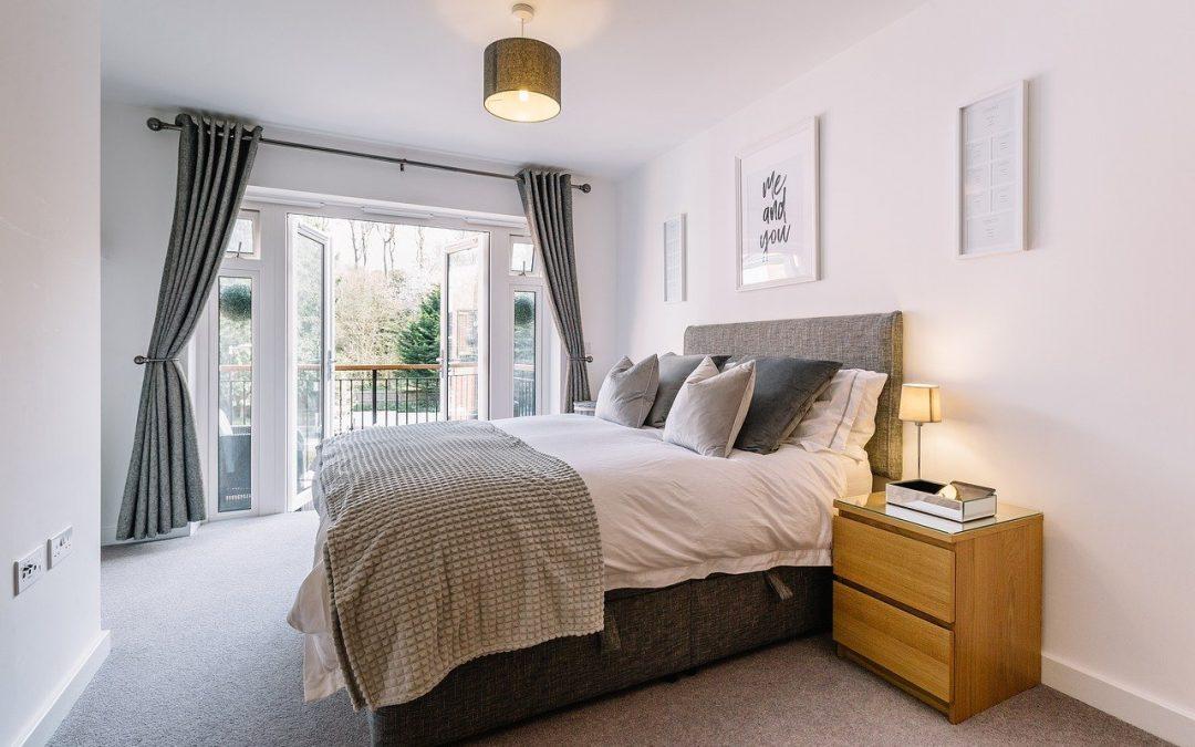 Jak urządzić przytulną sypialnię na zimę?